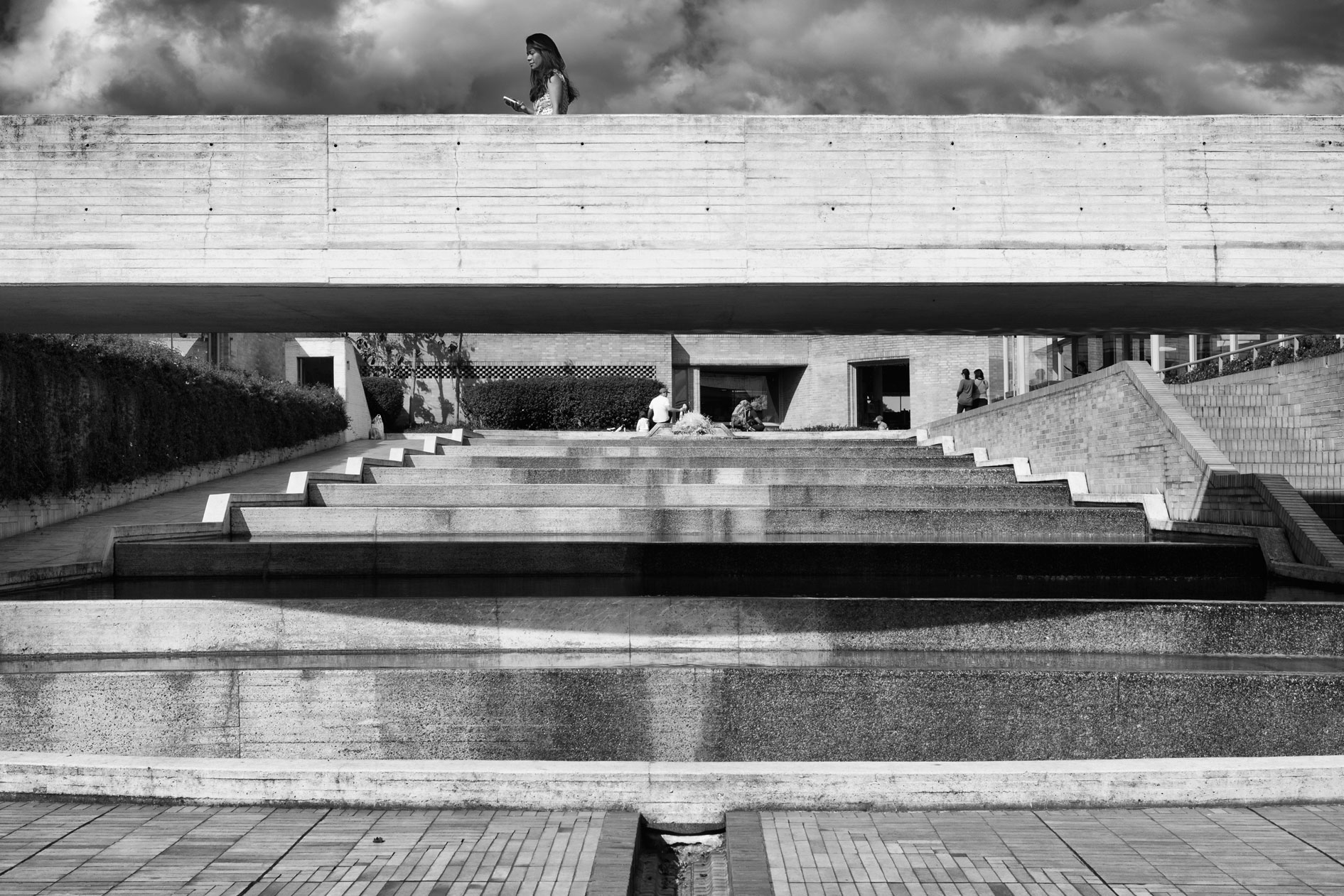 06-simonbosch photography-simon-bosch-architectuur-architecture-bogota-colombia-ArchDaily-Biblioteca Publica Virgilio Barco