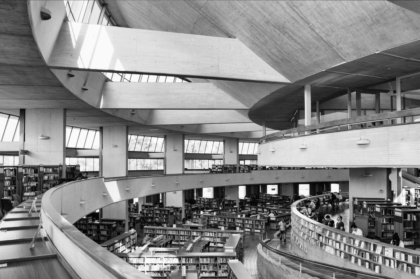 07-simonbosch photography-simon-bosch-architectuur-architecture-bogota-colombia-ArchDaily-Biblioteca Publica Virgilio Barco