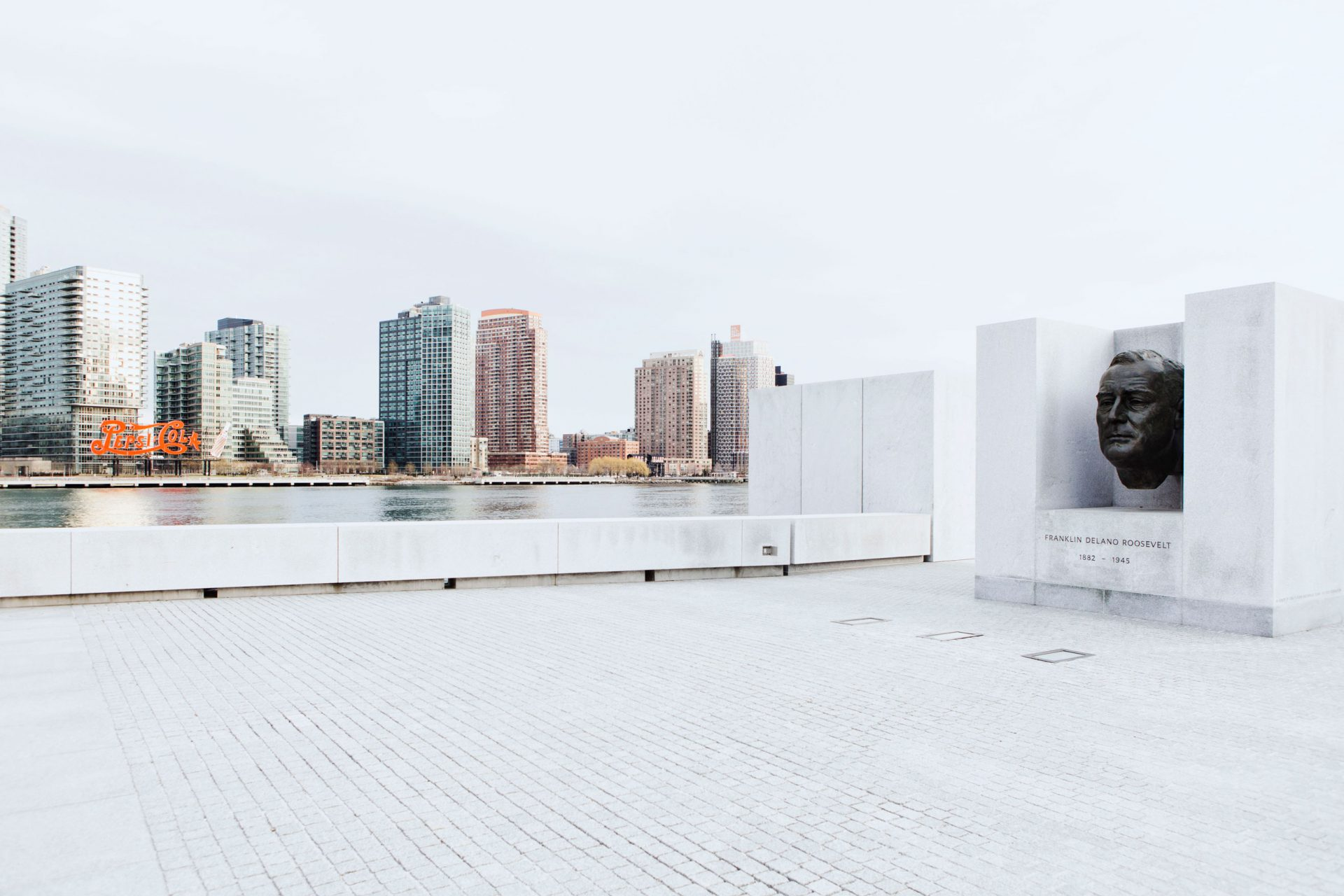 08-simonbosch-photography-simon-bosch-architectuur-architecture-bogota-colombia-New York-Louis Kahn