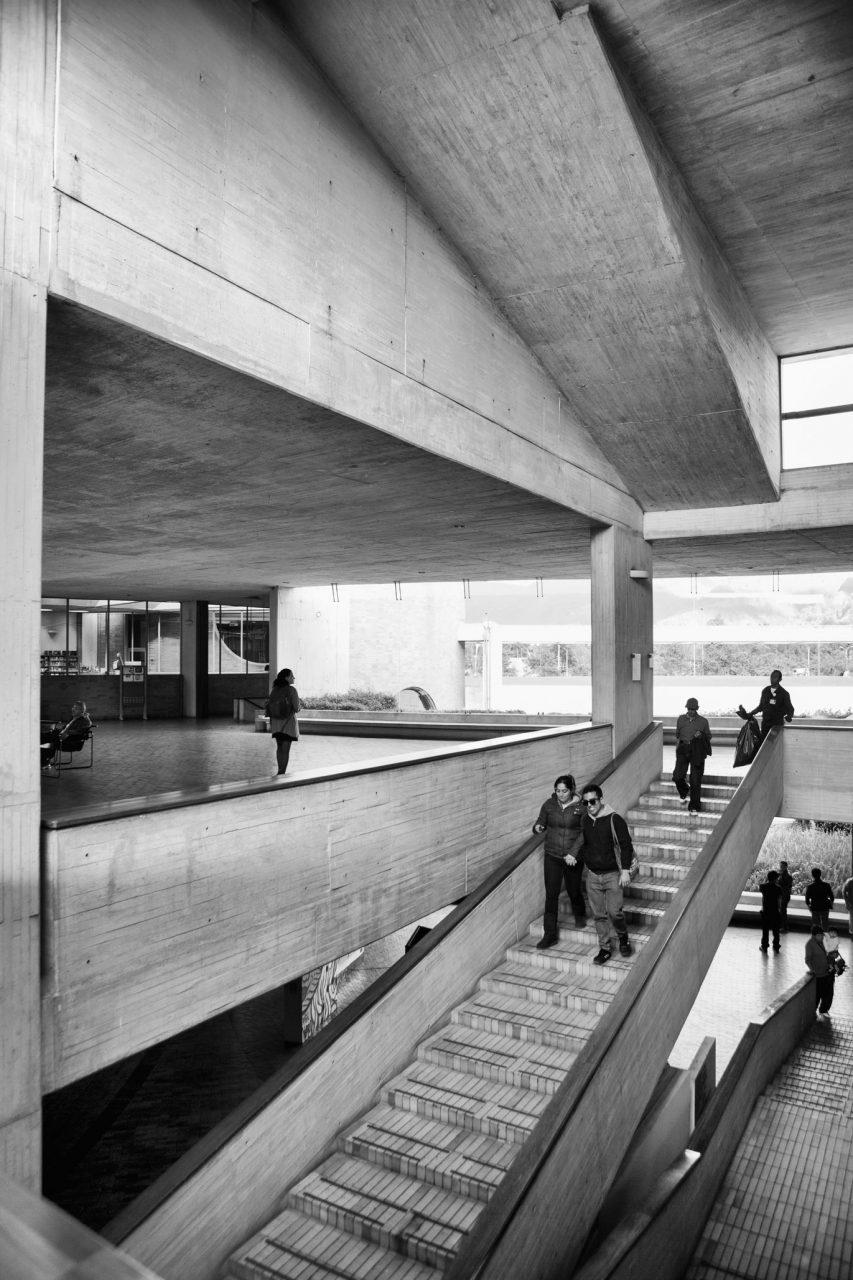 10-simonbosch photography-simon-bosch-architectuur-architecture-bogota-colombia-ArchDaily-Biblioteca Publica Virgilio Barco