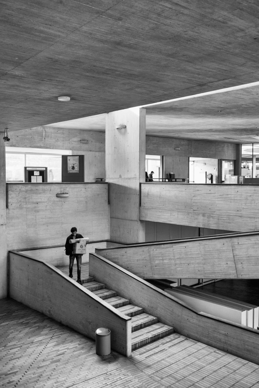 11-simonbosch photography-simon-bosch-architectuur-architecture-bogota-colombia-ArchDaily-Biblioteca Publica Virgilio Barco