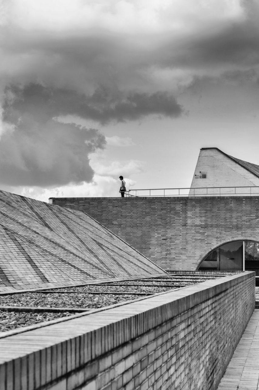 15-simonbosch photography-simon-bosch-architectuur-architecture-bogota-colombia-ArchDaily-Biblioteca Publica Virgilio Barco