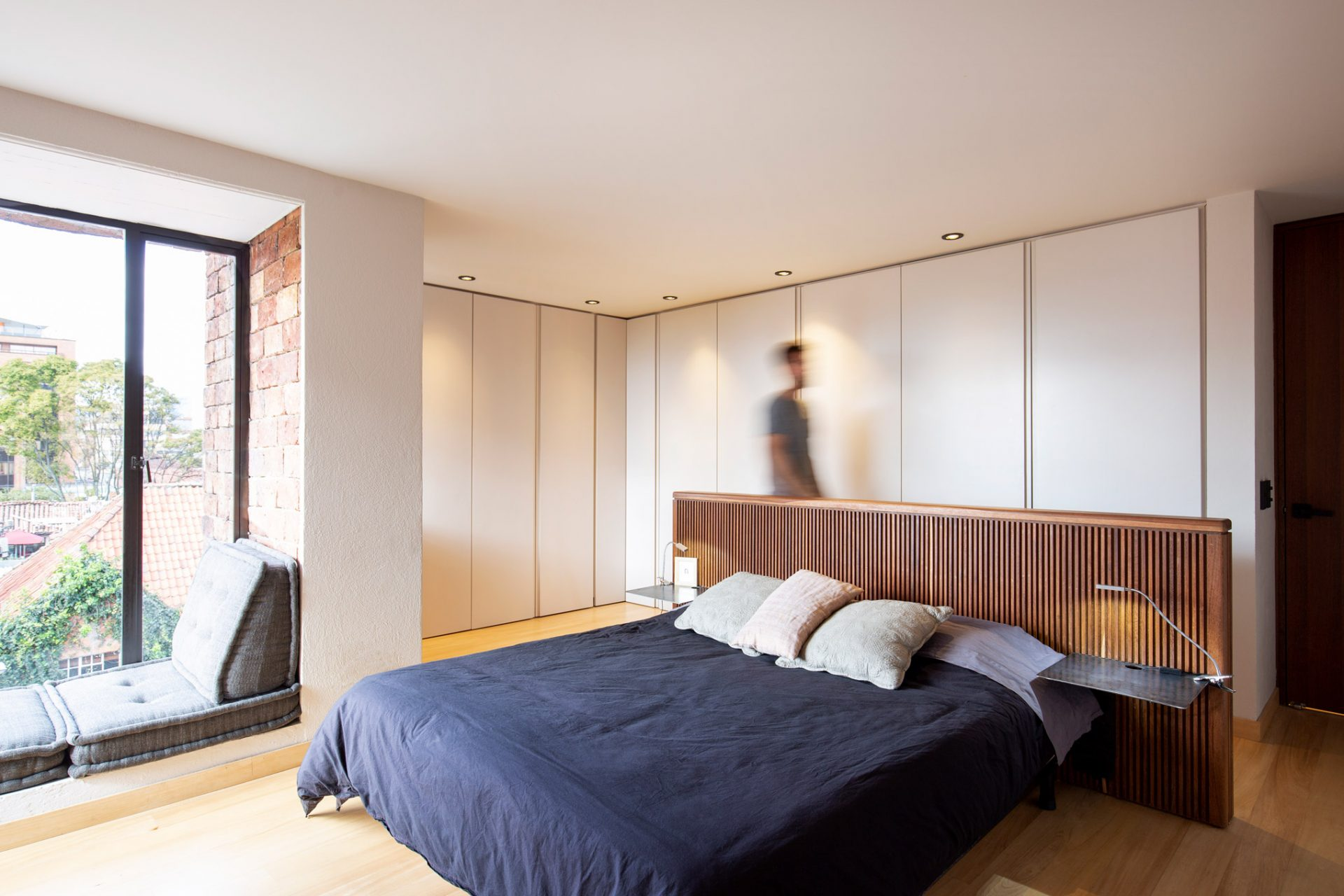 10.MLS_arquitectura_taller_tragaluz_interior_dutch_bogota_colombia_simon_bosch_photography